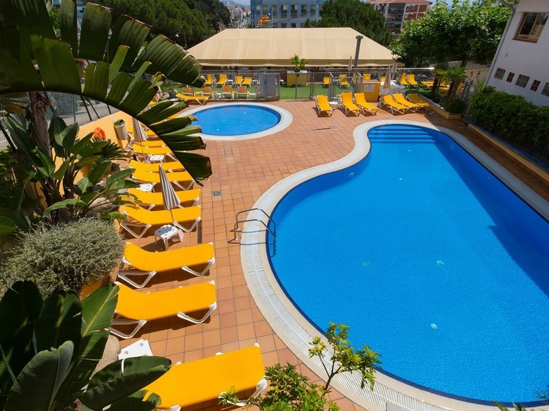 Camping El Far piscine