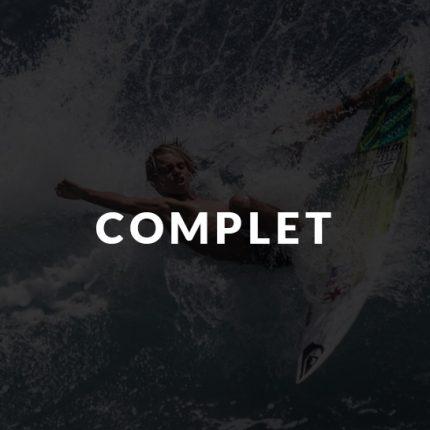 Ado qui fait du Surf en colonie de vacances avec Destineo