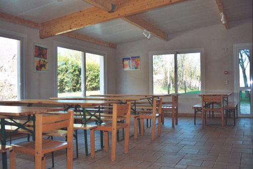 Centre de vacances du Lac Sauvin salle à manger